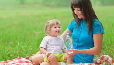 Çocuklar hangi yaşta, ne kadar su içmeli?