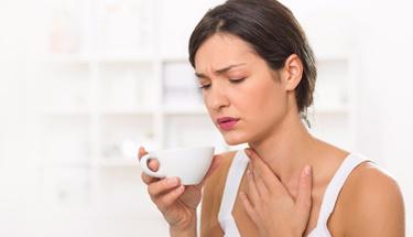 Boğaz ağrısını hızlıca geçiren 5 yöntem!