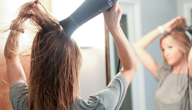 Saçlarınızı bir parça kağıt havlunun içine alıp...