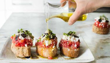 Tatlı bir Yunan esintisi Girit salatası