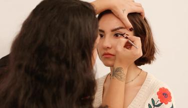 Pratik eyeliner nasıl çekilir?