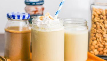 Fıstık ezmeli smoothie ile güne enerjik başlayın!