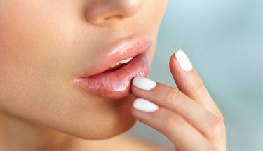 2 pratik yöntemle dolgun dudaklara sahip olun!