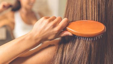 Saç kırıklarınızdan doğal yöntemlerle kurtulun!