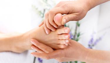 Bu noktaya masaj yaparsanız ağrınız anında geçecek!
