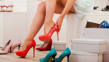 Topuklu ayakkabıyla tüm gün rahat etmek istiyorsanız...