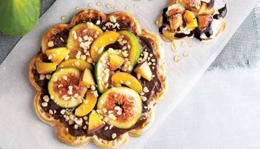 Tatlı krizlerini önleyen incirli waffle tarifi!