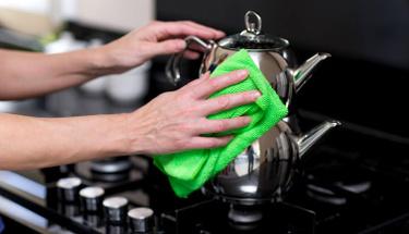 Kararan çaydanlıklarınız bu yöntemle pırıl pırıl olacak!