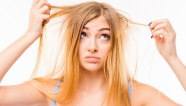 Bu yağ ile saçlarınızdaki dökülmeyi durdurun!