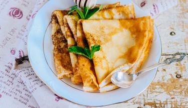 Kahvaltı için enfes tat: Yoğurtlu krep tarifi!