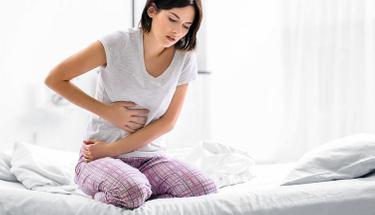 Karnınızda geçmeyen bir şişlik varsa nedeni bu hastalık olabilir!
