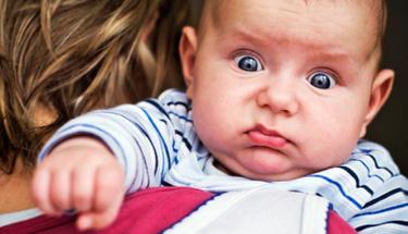 Bebeğinizi gaz sancısından bu yöntemle kurtarın!