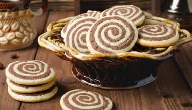Hem gösterişli hem lezzetli: Rulo kurabiye tarifi