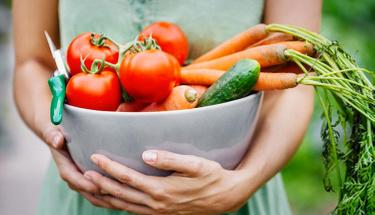 Vegan beslenme sağlıklı mı sadece bitki yiyerek...