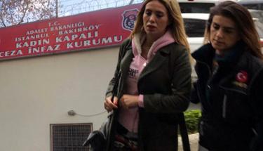 Bekaretimi verdim dediği eski sevgilisi Ciciş Esra'yı hapse attırdı!