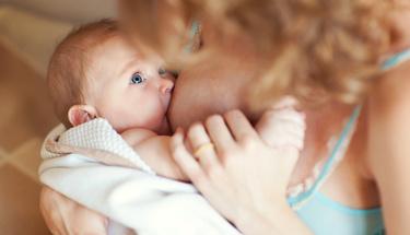 Bebeğiniz ne sıklıkla emzirmeniz gerektiğini bilmiyorsanız...