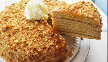 8 katlı enfes lezzet: Medovik pasta