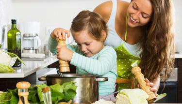 Çocuklarınız çok sevecek: Köfteli çorba tarifi