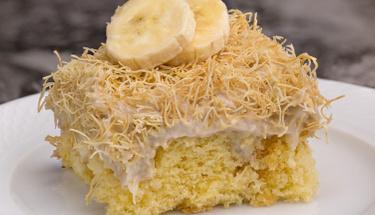 Pudingi içinde: Kadayıflı muz dolgulu kek tarifi