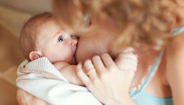 Yenidoğan bebeğinizi 2 saatten fazla aralıkta emziriyorsanız...