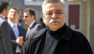 Usta sanatçı Ozan Arif hayatını kaybetti!