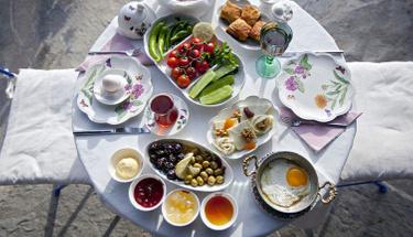 Kahvaltının en keyifli hali: Tava böreği