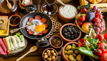 Kahvaltılarınızda bu lezzete yer açın: Sivas katmeri