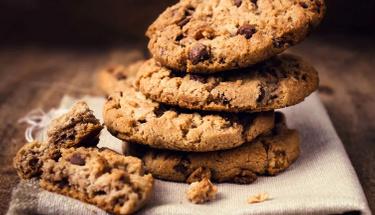 Kıtır kıtır bir tat: Damla çikolatalı kurabiye