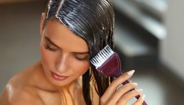 İşte evde hazırlayabileceğiniz pratik saç maskesi önerileri!