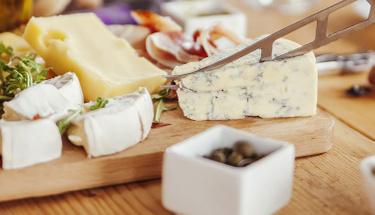 Kahvaltıların olmazı sürk peynirini evde yapabilirsiniz!
