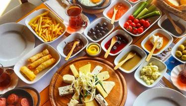 Kahvaltıda değişiklik arayanlara: Sebzeli pişi tarifi