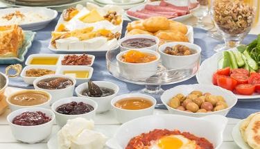 Kahvaltı sofralarınızı renklendirin: Girit ezme tarifi