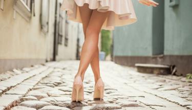 Bacaklardaki batıkları geçirmenin en kolay yöntemi!