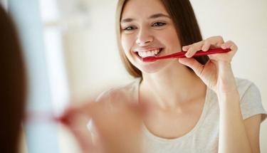 Oruçluyken dişlerinizi fırçalıyorsanız...