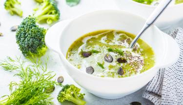 Hafif lezzet arayanlar için kabak çorbası!
