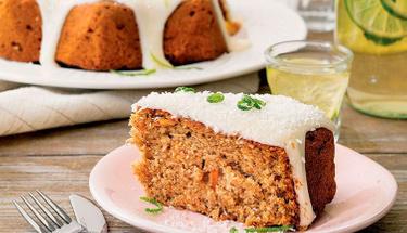 Pamuk gibi yumuşacık: Havuçlu hindistan cevizli kek