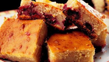 Ağızda dağılıyor: Vişneli pamuk kek tarifi