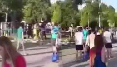 Ünlü oyuncu eşi ve kızı parkta saldırıya uğradı!