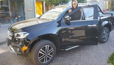 Avşar kızının yeni arabasının fiyatı dudak uçuklattı!