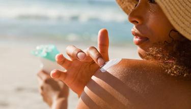 Güneşin zararlı ışınlarından korunmak için bu özellikler şart!