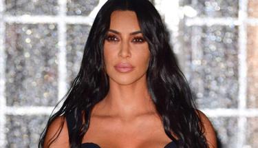 Kim Kardashian çırılçıplak halde erişte yedi! Beğen butonu çöktü!