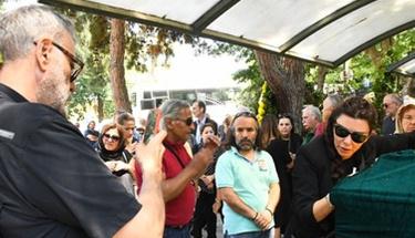 Cenazede eşinin fotoğrafını çeken Hamdi Alkan'dan olay sözler!