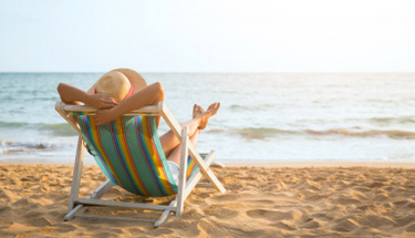 Yazın tatile giderken bavulun olmazsa olmazı olan 4 eşya!