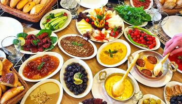 Haftasonu kahvaltılarına enfes öneri: Karbonatlı pişi tarifi