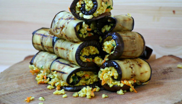 Değişiklik arayanlara: Bulgurlu patlıcan ruloları tarifi