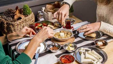 Kahvaltının yeni lezzeti: Kırmızı köz biber kızartması