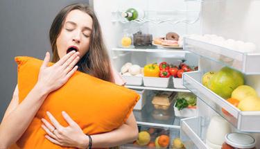 Uykusuzluk çekenler dikkat! İşte uyku artırıcı beslenme önerileri...