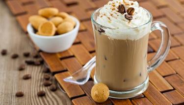 Yaz sıcaklarının vazgeçilmezi: Soğuk kahve!
