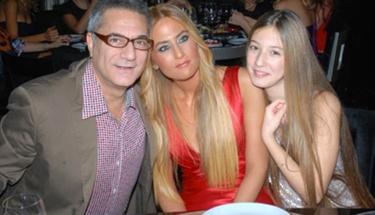 Mehmet Ali Erbil'in kızı seksi beyaz bikinisiyle olay oldu!