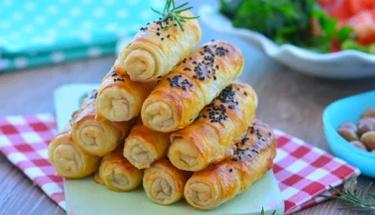 Enfes bir lezzet: Az yağlı patatesli çıtır börek!